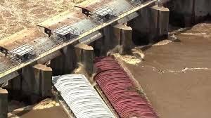 Runaway Barges Crash Into Lock & Dam On Flooded Arkansas River in Oklahoma; Webber Falls Evacuated